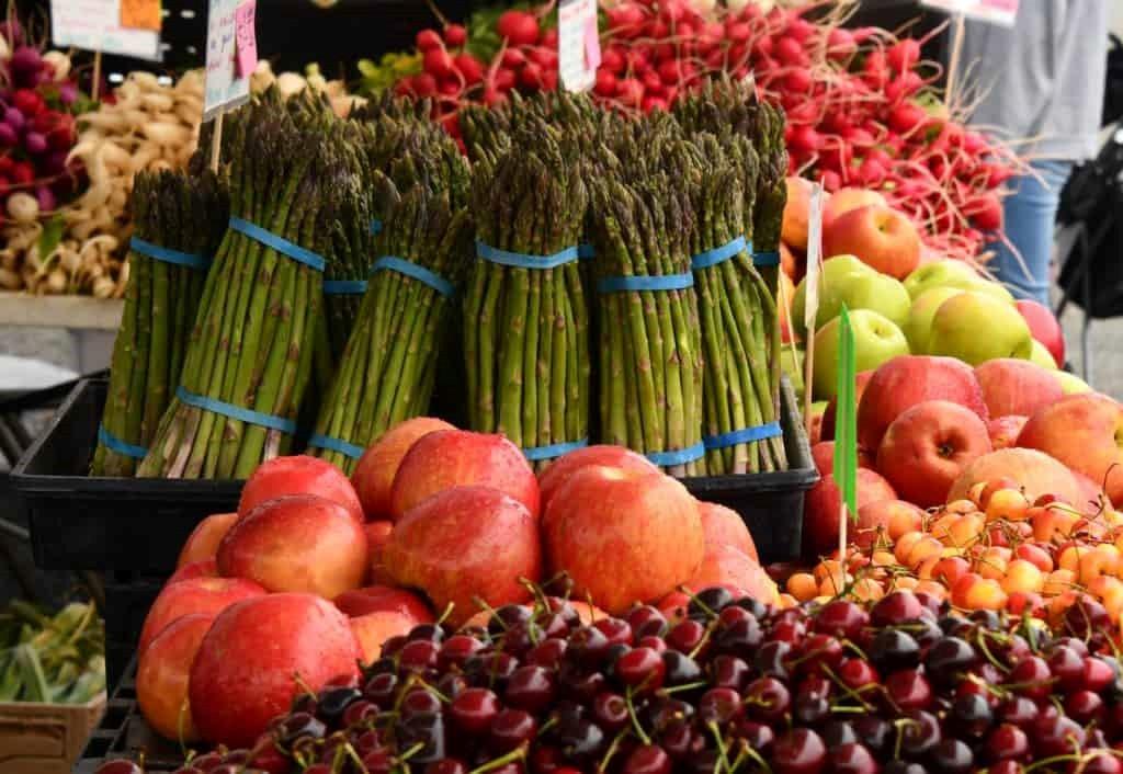 Edgeworth Borough farmer's market fruits and vegetables