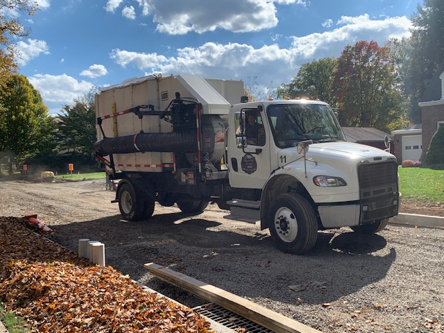 Fall leaf truck